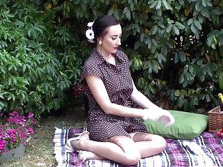 Stunner Flashing Rigid Tits Trim Poon Retro Nylon On Picnic